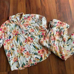 Floral chic pajama set